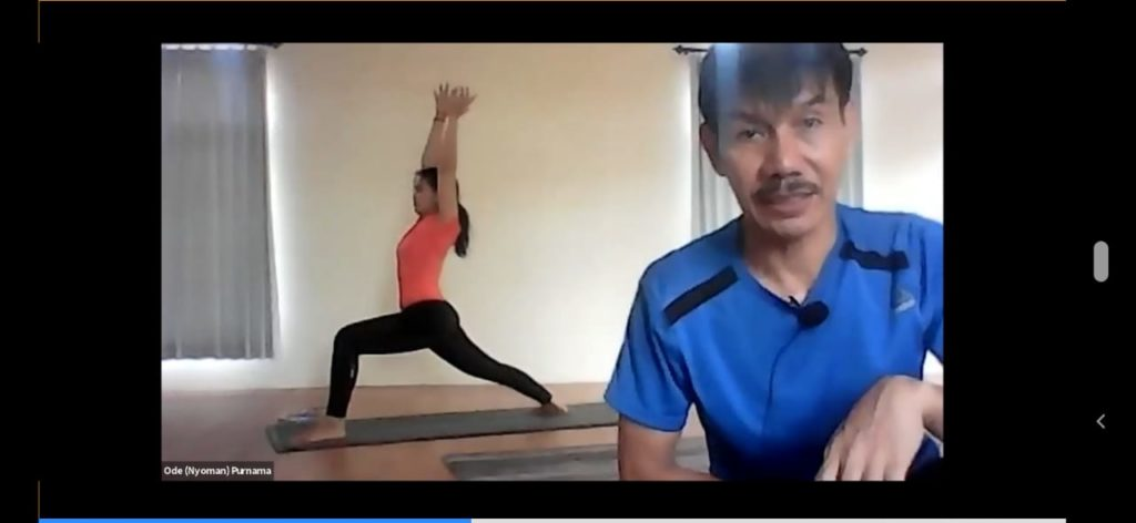 Yoga Virtual Bersama Warga Kagama Kagama